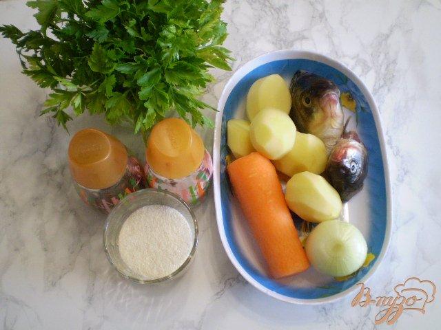 Фото приготовление рецепта: Суп с голов рыбных с манкой шаг №1