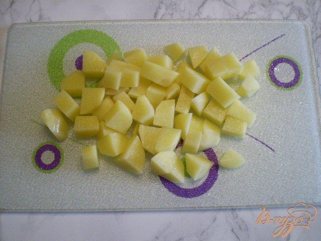 Фото приготовление рецепта: Суп с голов рыбных с манкой шаг №3