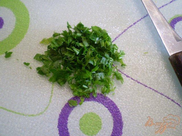 Фото приготовление рецепта: Суп с голов рыбных с манкой шаг №7