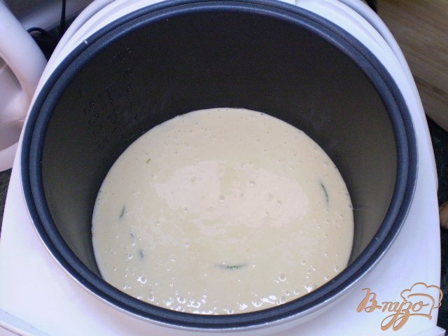 Фото приготовление рецепта: Ванильный бисквит с мятой в мультиварке шаг №8