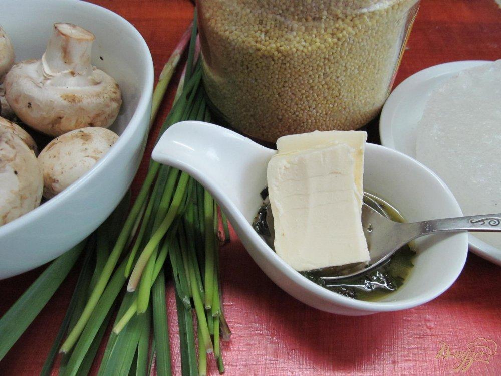 Фото приготовление рецепта: Рагу из грибов и пшена шаг №1