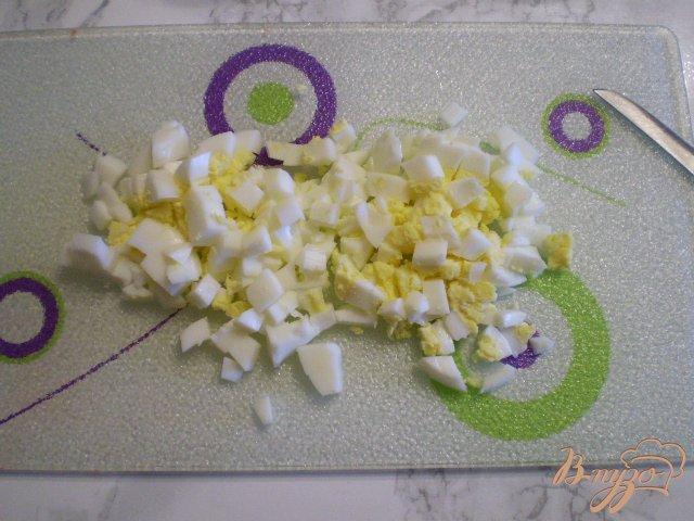 Фото приготовление рецепта: Диетический суп со шпинатом и яйцом в мультиварке шаг №6