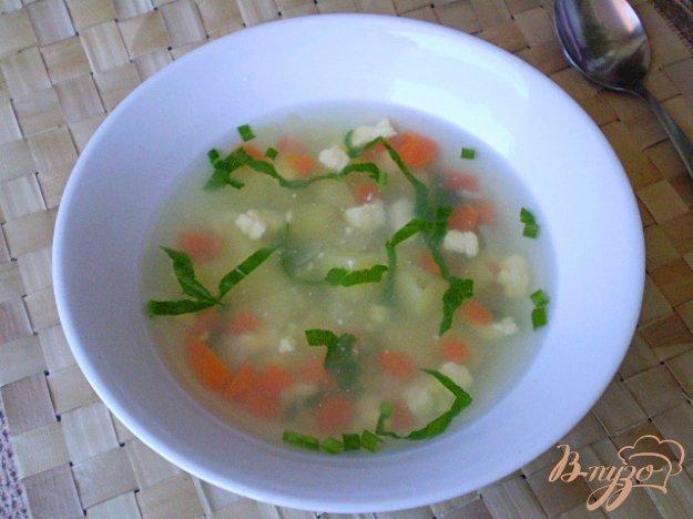 фото рецепта: Диетический суп со шпинатом и яйцом в мультиварке