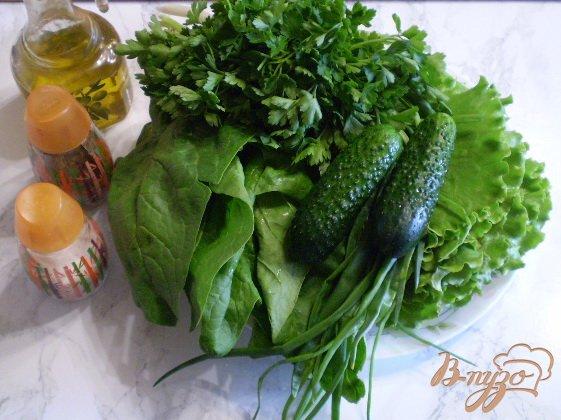 Салат с огурцом и шпинатом