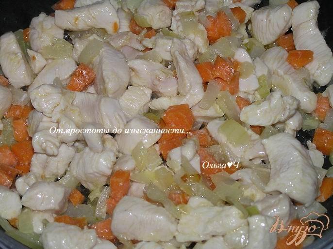 Фото приготовление рецепта: Куриное филе с черносливом шаг №2