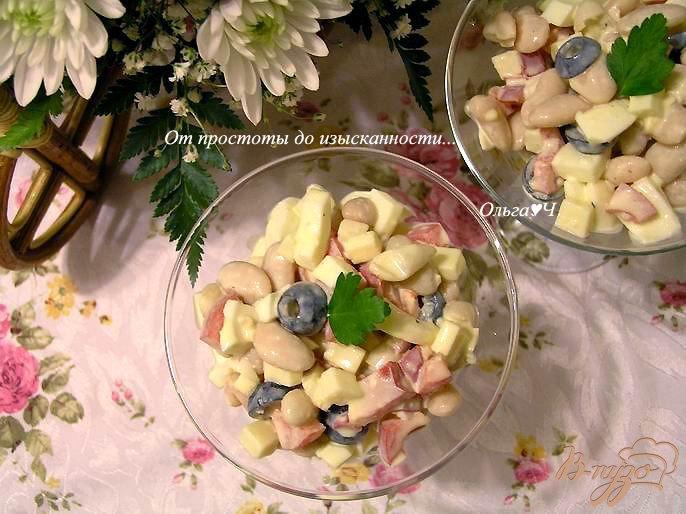 Фото приготовление рецепта: Салат с фасолью и яйцом шаг №5
