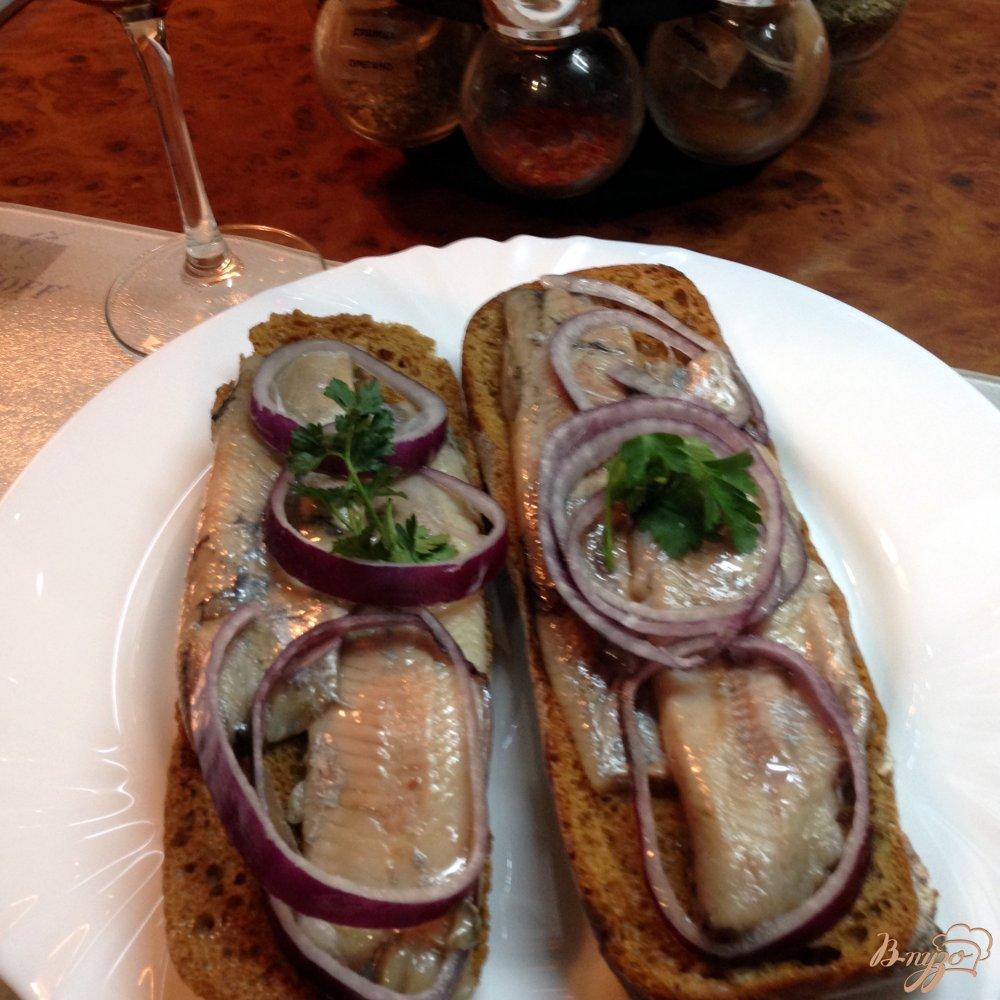 Фото приготовление рецепта: Чудо-сендвич по-норвежски шаг №4