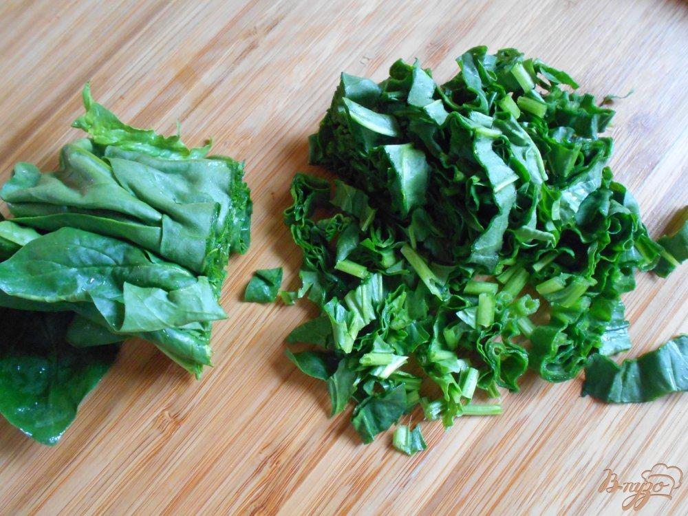Фото приготовление рецепта: Спанакоризо- рис со шпинатом по-гречески шаг №2