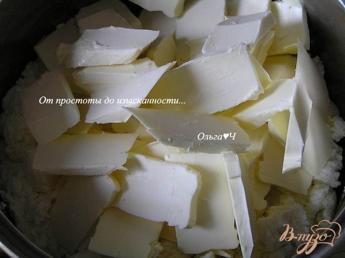 Фото приготовление рецепта: Творожная пасха с цукатами шаг №3