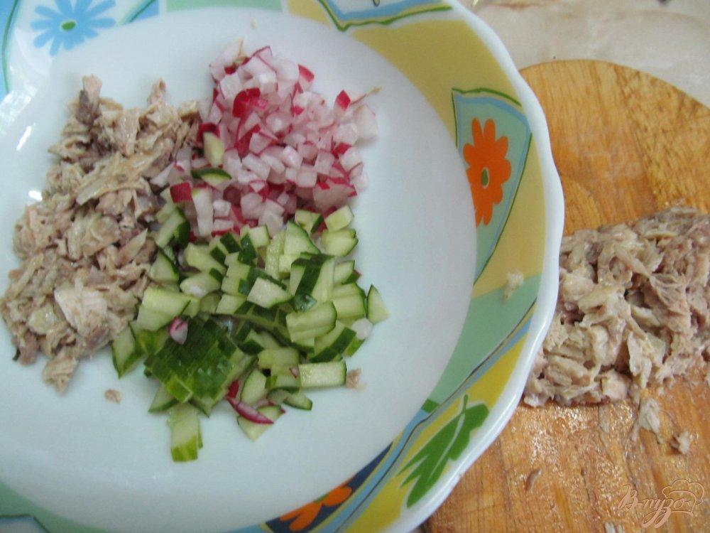 Фото приготовление рецепта: Окрошка на кефире шаг №2