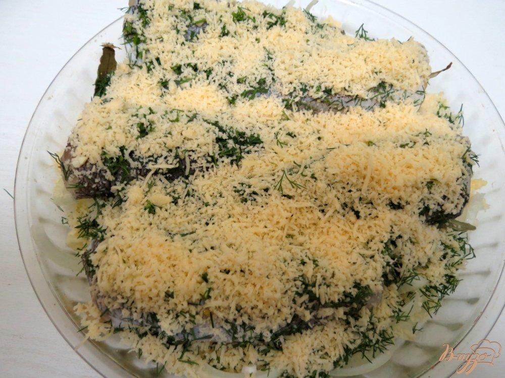 Фото приготовление рецепта: Нототения запеченная с чесноком и укропом. шаг №6