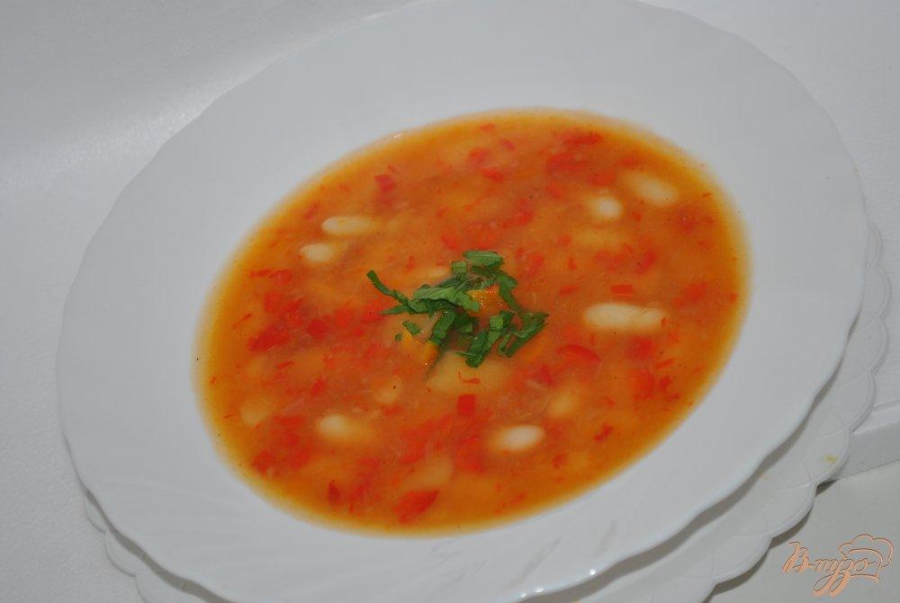 Фото приготовление рецепта: Суп с перцами и фасолью шаг №6