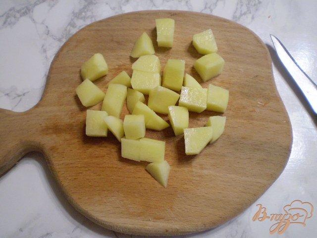 Фото приготовление рецепта: Легкий суп диетический с зеленым горошком шаг №2