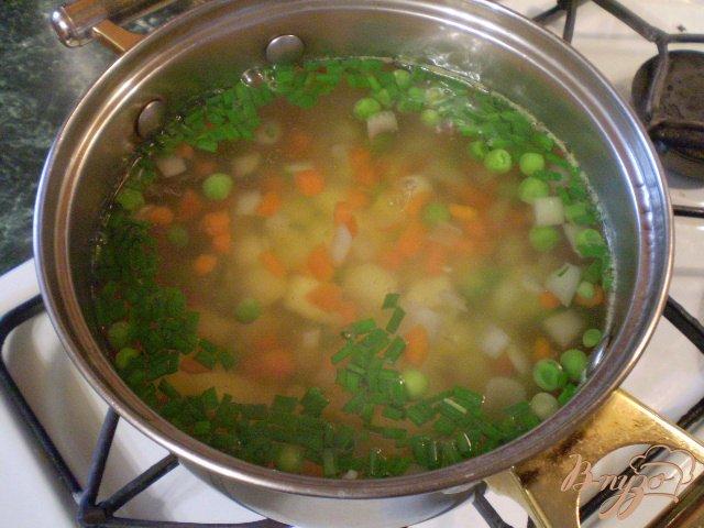 Фото приготовление рецепта: Легкий суп диетический с зеленым горошком шаг №6