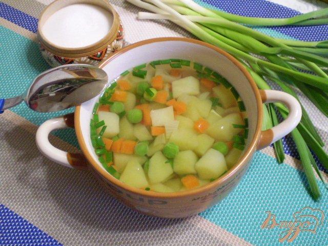 Фото приготовление рецепта: Легкий суп диетический с зеленым горошком шаг №7