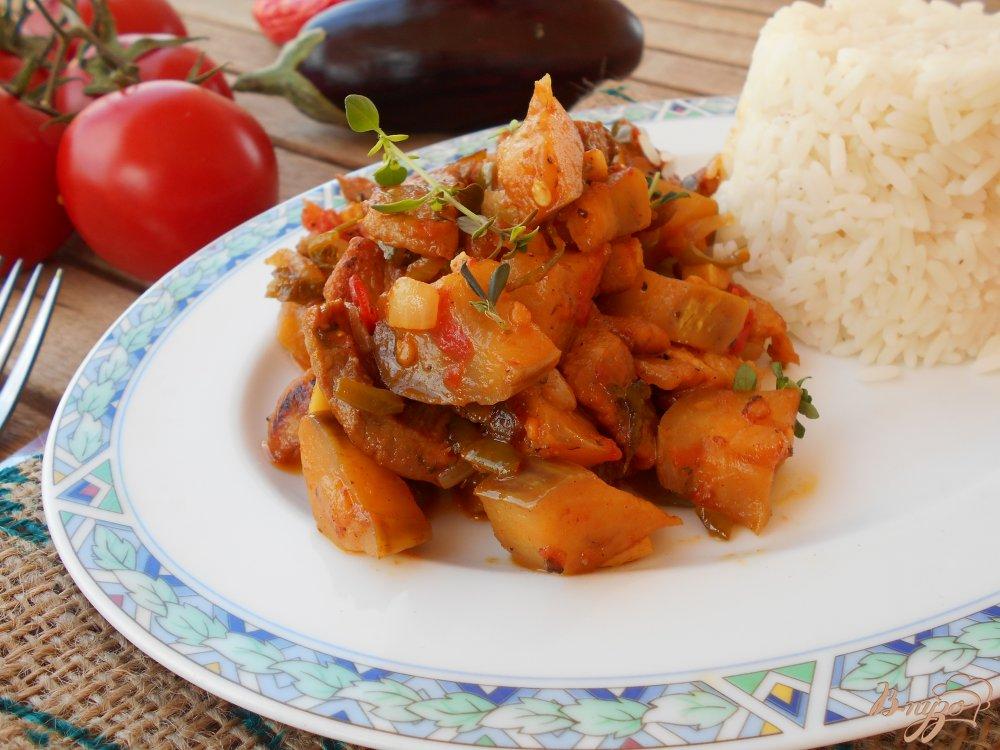 Фото приготовление рецепта: Свинина с баклажанами шаг №9