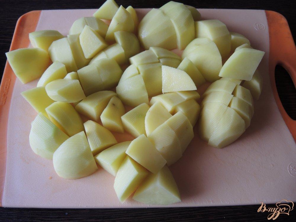 Фото приготовление рецепта: Тушеная оленина с овощами шаг №4