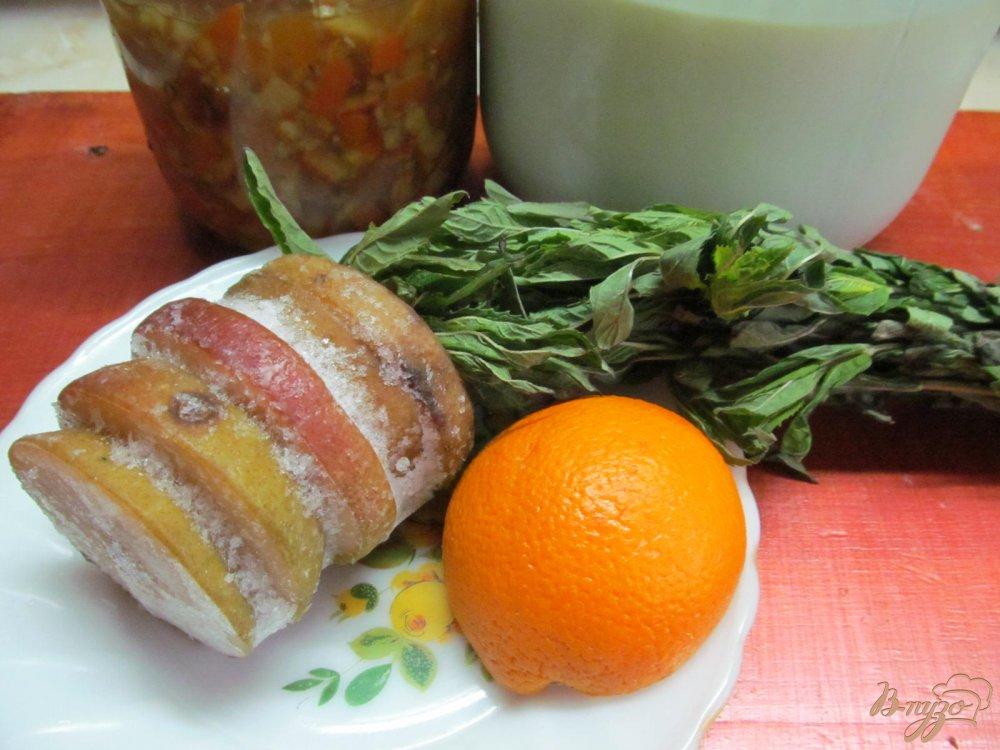 Фото приготовление рецепта: Смузи на молоке из груши с апельсином шаг №1