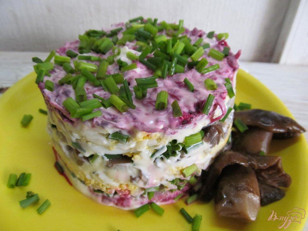 Фото приготовление рецепта: Салат с сельдью шаг №9