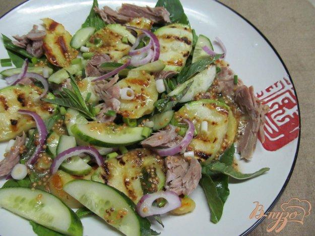фото рецепта: Теплый салат и свинины картофеля и кабачка