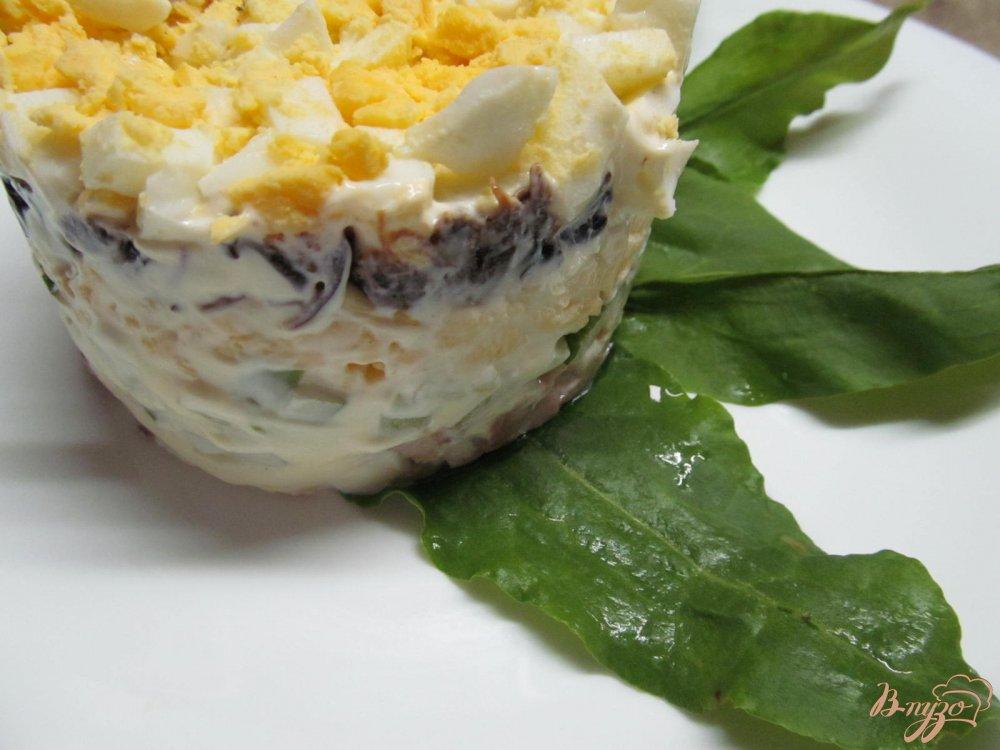 Фото приготовление рецепта: Салат с курицей и черносливом шаг №11