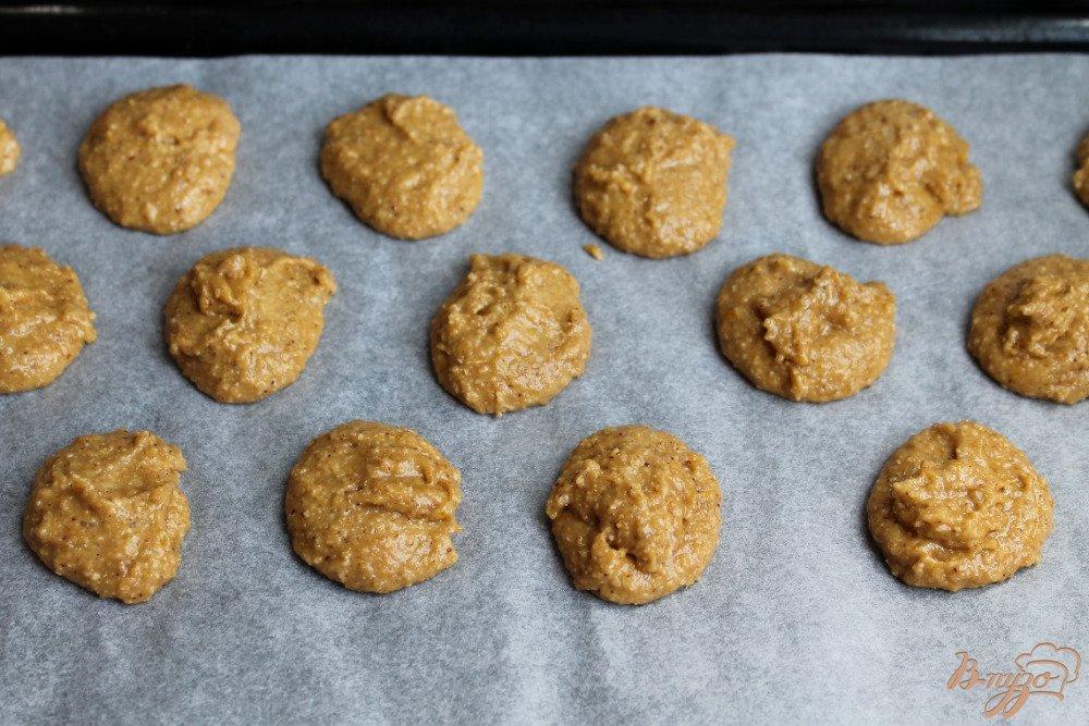 Фото приготовление рецепта: Овсяное печенье с имбирем и корицей шаг №5