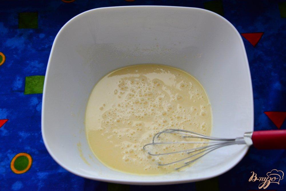 Фото приготовление рецепта: Кулич без дрожжей с кумкватами шаг №3