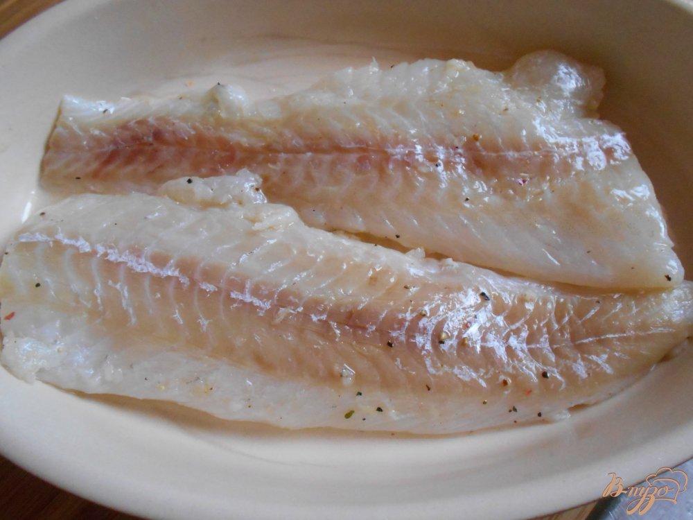 Фото приготовление рецепта: Филе рыбы под хрустящей корочкой шаг №6
