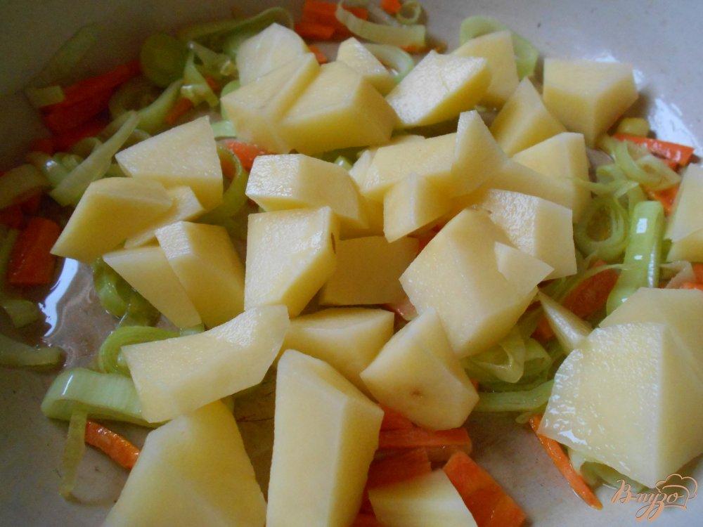 Фото приготовление рецепта: Рыбный суп шаг №5