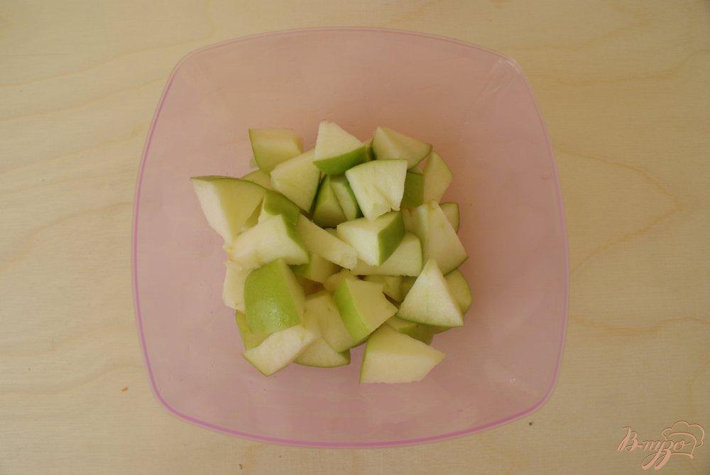 Фото приготовление рецепта: Морковно-яблочный смузи шаг №3