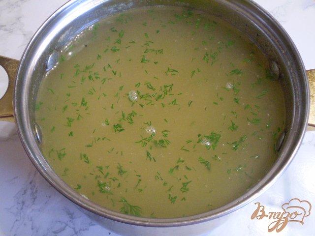Фото приготовление рецепта: Суп из хека с вермишелью шаг №8