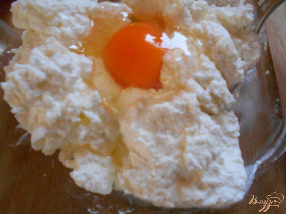 Фото приготовление рецепта: Творожные шарики шаг №1