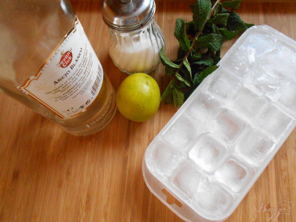 Фото приготовление рецепта: Мохито шаг №1