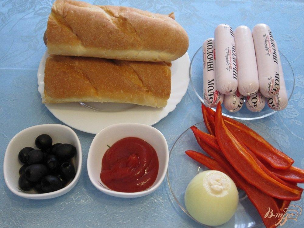 Фото приготовление рецепта: Сэндвич с сосисками шаг №1