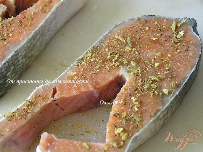 Фото приготовление рецепта: Кижуч в пряностях с мятой шаг №1