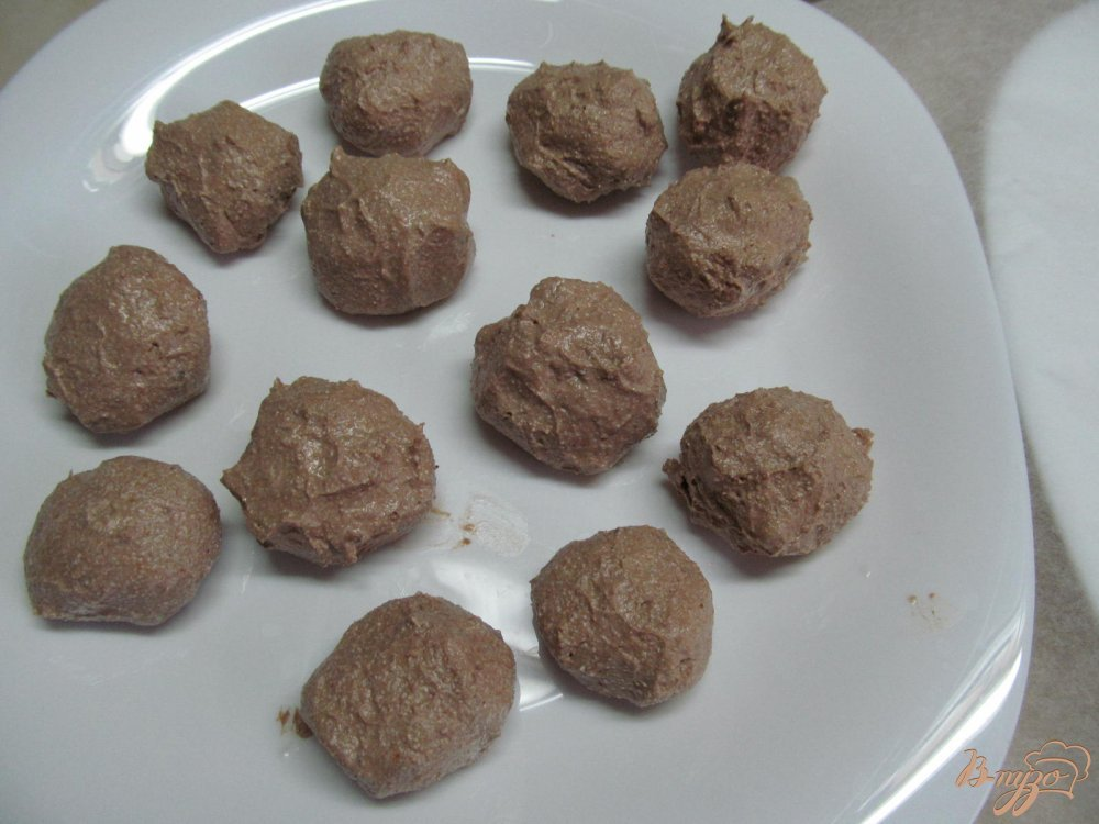 Фото приготовление рецепта: Конфеты из творога шаг №3