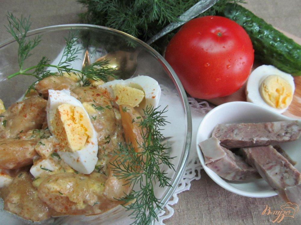 Фото приготовление рецепта: Молодой картофель с яйцом и паприкой шаг №9