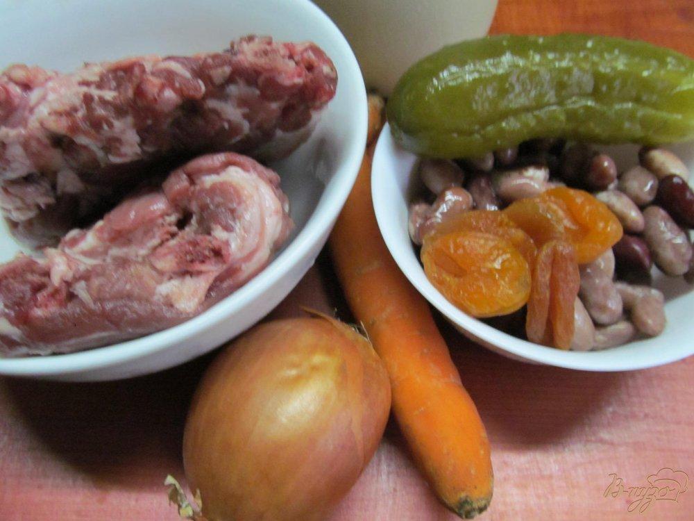 Фото приготовление рецепта: Свиные ребра с фасолью и курагой в мультиварке шаг №1