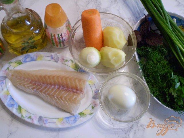 Фото приготовление рецепта: Рыбный суп с яйцо и зеленым луком шаг №1
