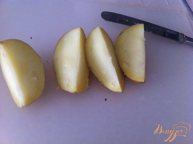 Фото приготовление рецепта: Молодой пряный картофель шаг №3