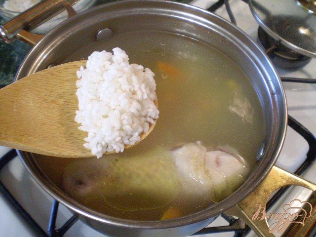 Фото приготовление рецепта: Рисовый суп без картофеля шаг №4