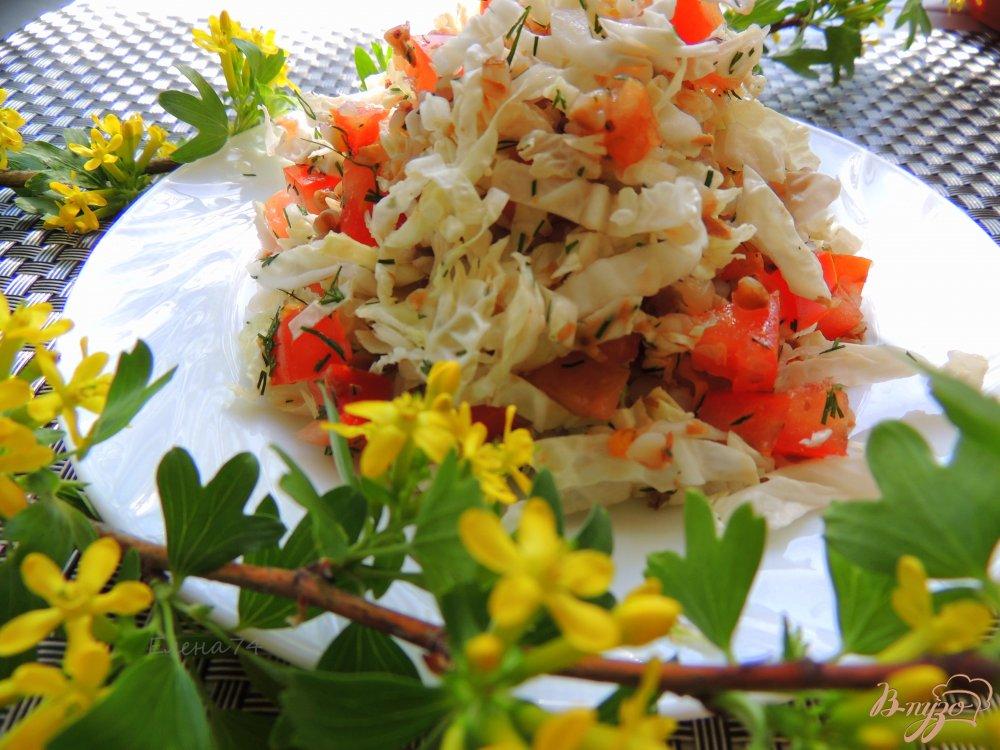 Фото приготовление рецепта: Лёгкий салат с помидорами и гречкой шаг №6
