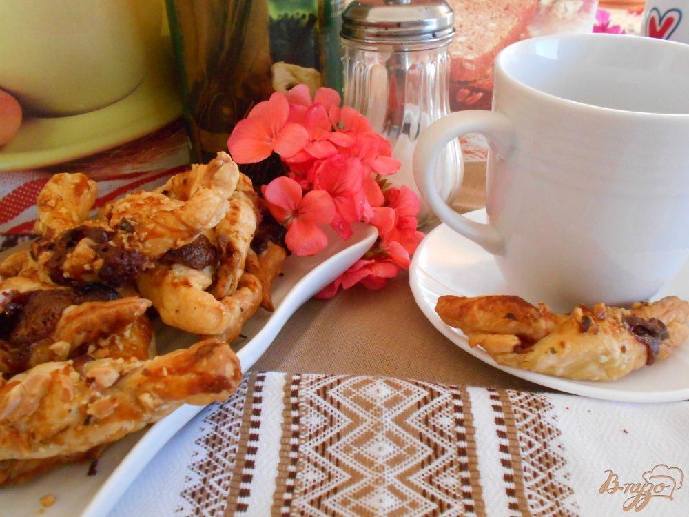 Фото приготовление рецепта: Рогалики с шоколадом шаг №6
