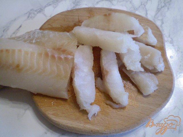 Фото приготовление рецепта: Суп с минтаем, морской капустой и шампиньонами шаг №5