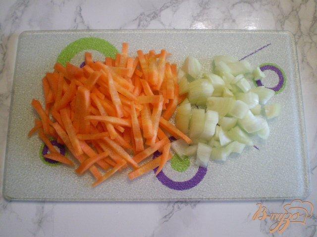Фото приготовление рецепта: Суп с фрикадельками в мультиварке шаг №2