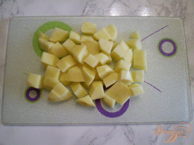 Фото приготовление рецепта: Суп с фрикадельками в мультиварке шаг №3