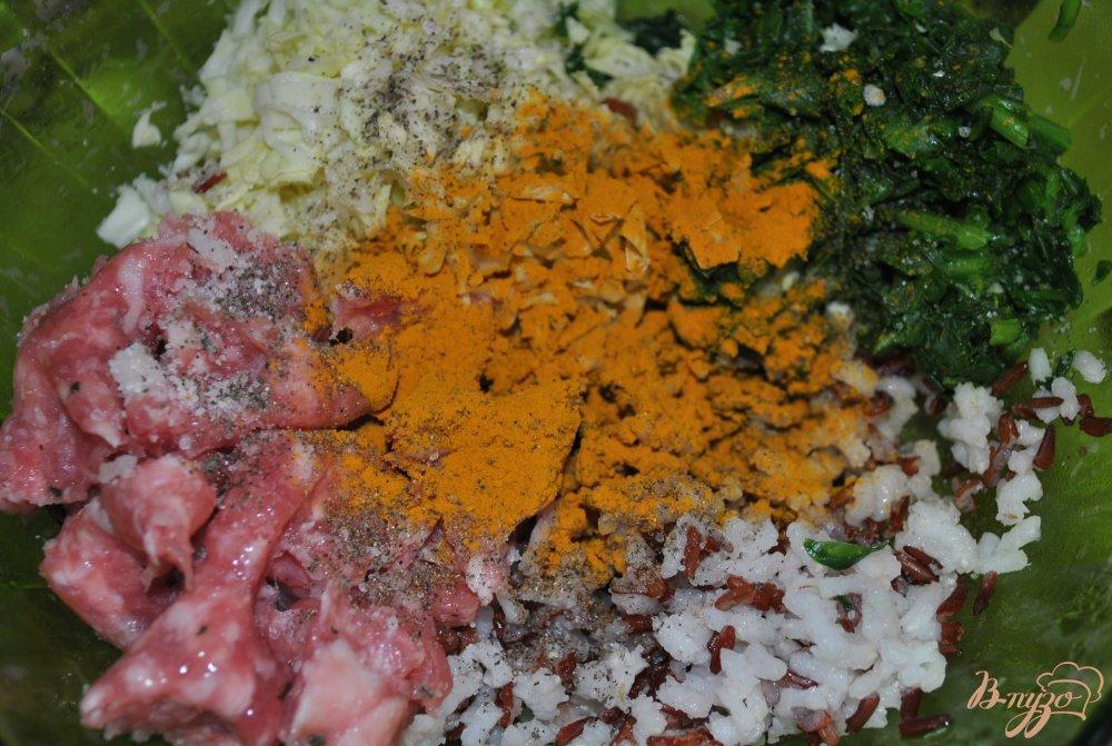 Фото приготовление рецепта: Котлеты с красным рисом шаг №7