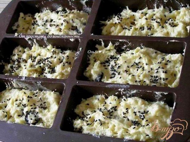 Сырные булочки с маслинами и кунжутом