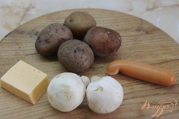 Картофель с колбасно - грибной начинкой под сыром