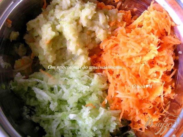 Рецепт Салат из моркови, редьки и яблока